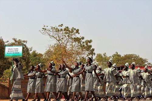 Multiplicité des pagnes du 08-Mars 2018: Choix d'un pagne imprimé officiel de commémoration en plus du Faso dan fani