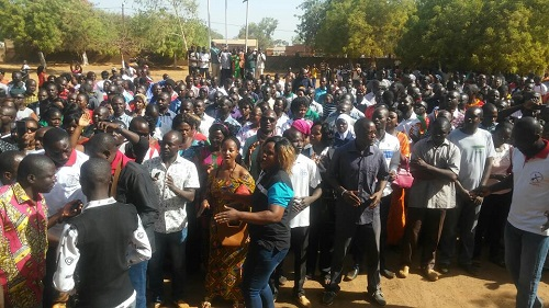 «Le sort de l'année scolaire 2017-2018 est entre les mains du gouvernement» (Ysa Kintiga, coordonnateur régional des syndicats de l'éducation de l'Est)