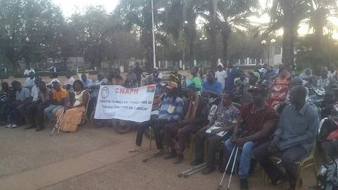 Premier ministère: Paul Kaba Thiéba reçoit des personnes vivant avec un handicap et l'association le Tocsin