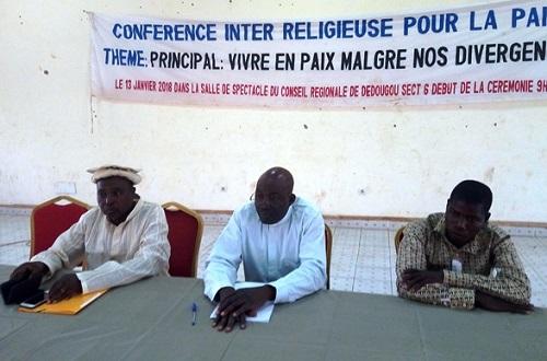 Dialogue inter-religieux pour la paix: «C'est la diversité des religions qui donne un sens à la religion» (préfet de Dédougou, Emile Hien)