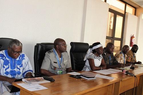 Libre circulation des personnes et des biens: Les corps de contrôle de l'aéroport de Ouagadougou sensibilisés