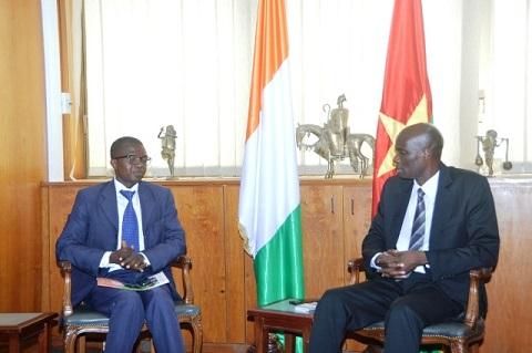 Abidjan: L'Ambassadeur Mahamadou ZONGO encourage les Patrons de Presse en Ligne dans leurs actions de développement