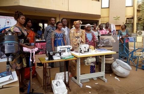 Autonomisation économique des femmes: Le PMG/DSP-BF prime10 plans d'affaires dans la région du centre