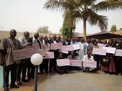 Recherche scientifique et innovation: 23 porteurs de projets reçoivent leurs chèques