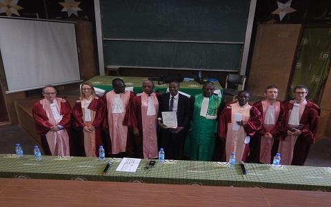 Université de Mons-Université  Pr Joseph Ki Zerbo: Un Docteur en Physico-chimie des matériaux né de la collaboration