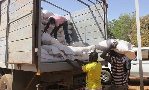 Céréales destinées aux personnes vulnérables: Les ministres de l'agriculture et du commerce appellent à la veille citoyenne