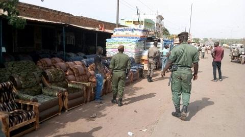 Occupation anarchique de la voie publique à Bobo-Dioulasso: L'éternel problème entre marchands et la police municipale