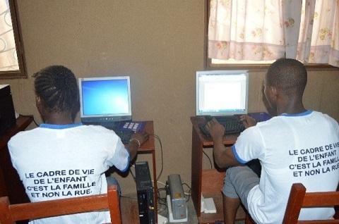 Maison d'arrêt et de correction de Ouagadougou: Séances d'informatique pour les enfants mineurs