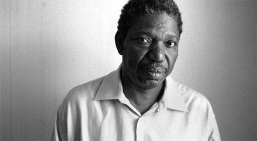 Olympe BHÊLY-QUENUM rend hommage à Idrissa Ouédraogo