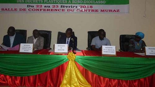 Lutte contre les déchets plastiques: Le ministère de l'environnement à rencontré les différents acteurs à Bobo-Dioulasso