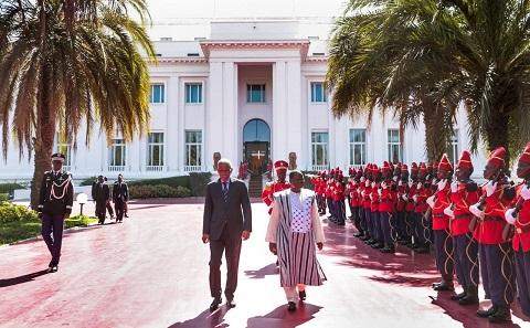 Burkina-Sénégal: L'Ambassadeur Jacob OUEDRAOGO présente ses lettres de créance à Son Excellence  Macky SALL, Président du Sénégal