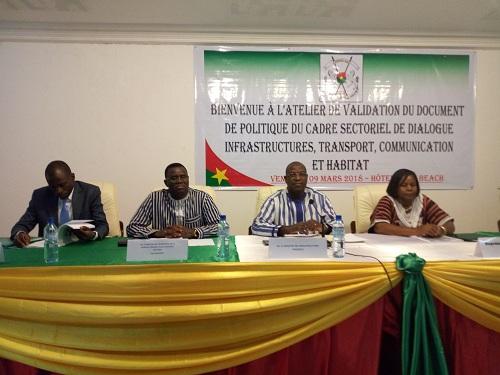 Cadre sectoriel de dialogue: Le document de politique «Infrastructures, de transports, de communication et d'habitat» validé