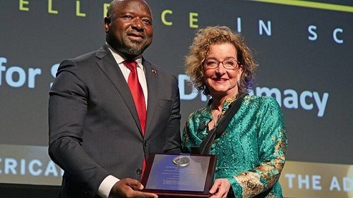 Prix  de la Diplomatie scientifique : Le Dr Lassina Zerbo a reçu sa distinction