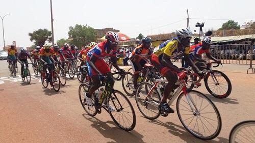 Troisième anniversaire du quotidien «Aujourd'hui au Faso»: Abdoul Aziz Nikiema remporte la course cycliste