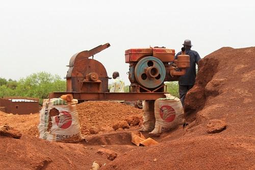 Mine artisanale de Nébia: Députés et orpailleurs échangent sur les risques de pollution d'eau