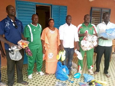 Equipe provinciale du Nayala: Du matériel sportif offert par Jacques Dala