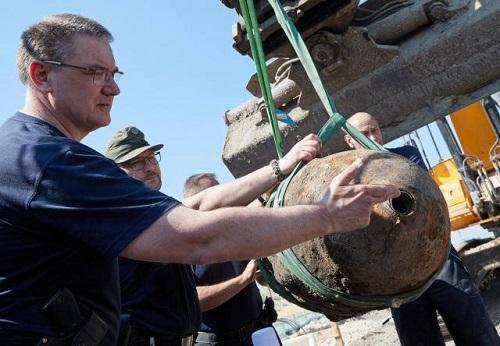 Allemagne: Une bombe britannique de 500 kg de la deuxième guerre mondiale désamorcée avec succès
