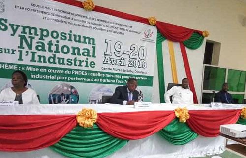 Fin des travaux du symposium national sur l'industrie au Burkina: Les participants ont formulé des recommandations au gouvernement