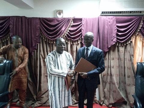 Maison de l'entreprise: Issaka Kargougou passe le témoin à Lancina Ki