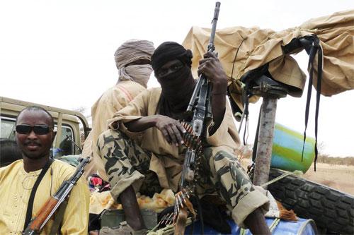 Meurtres et exactions dans le conflit au nord du Burkina: Human Rights Watch renvoie forces de défense et terroristes dos à dos