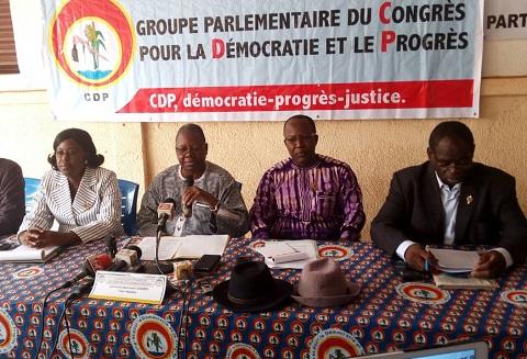 «Syndicats et gouvernement, sous notre régime, étaient des partenaires sociaux. Aujourd'hui, ils sont devenus des adversaires sociaux» (Groupe parlementaire CDP)