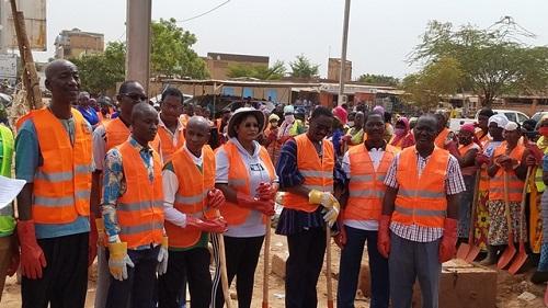 Commune de Ouagadougou: Une opération de curage de caniveaux pour prévenir les inondations