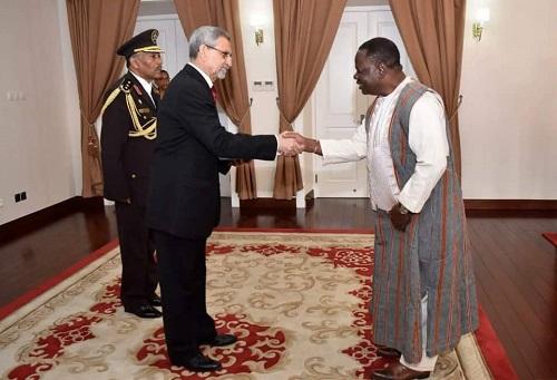 Diplomatie: l'ambassadeur Jacob Ouédraogo présente ses lettres de créances au président cap-verdien