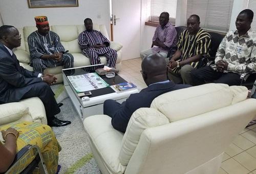 Inondations meurtrières en Côte d'Ivoire: les députés burkinabè apportent compassion et soutien au peuple ivoirien