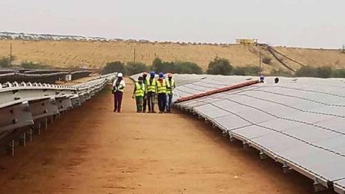 Développement durable: Des journalistes et communicateurs visitent la centrale solaire Essakane Solar SAS