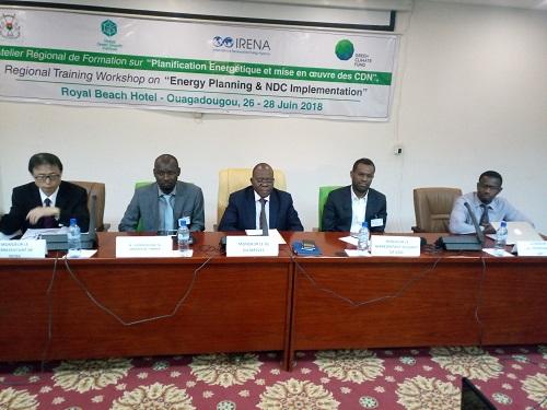 Énergies renouvelables: Des acteurs tiennent un atelier de planification énergétique à Ouagadougou