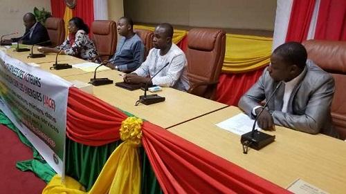 Énergie et développement durable: Des journalistes et communicateurs veulent favoriser l'accès à l'énergie pour les Burkinabè
