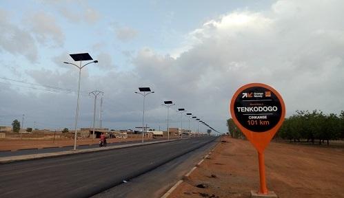 Énergies renouvelables au Burkina: des lampadaires solaires pour Bittou, Cinkansé, Tenkodogo et Koupéla