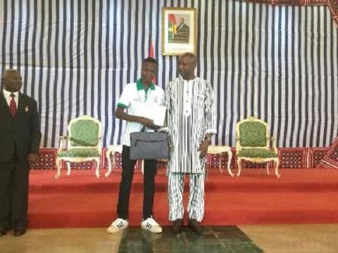 Education: Le président du Faso récompense  95   élèves