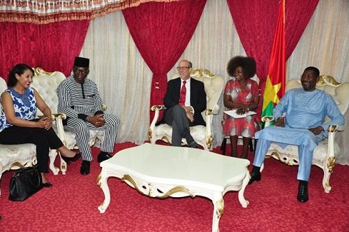 Assemblée nationale: La Fondation américaine Susan Buffet chez Bala Alassane Sakandé