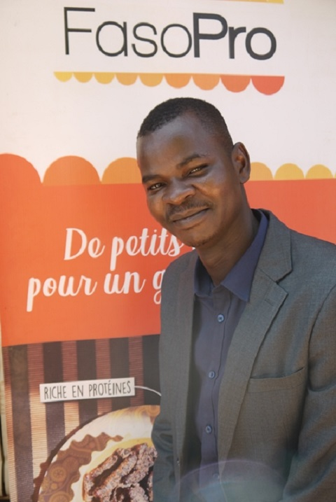Chenilles de karité: Kahitouo Hien  veut en faire un produit consommé par tous les Burkinabè