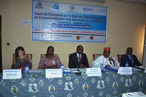Commercialisation des substituts du lait maternel: Des acteurs avertis de la question se familiarisent avec le Code de l'OMS