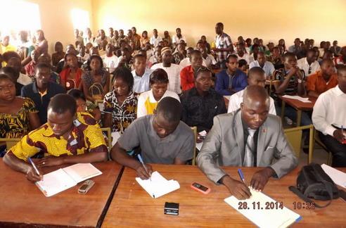 Performance académique des étudiants dans les universités publiques au Burkina Faso: La pédagogie universitaire en cause?