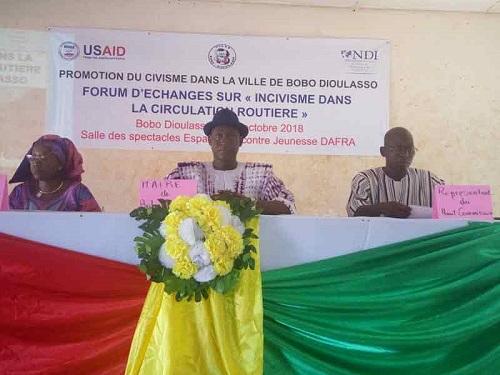 Incivisme en circulation routière: Le National democratic institute (NDI) sensibilise à Bobo