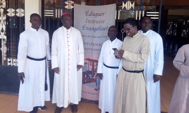 Diocèse de Dédougou: Monseigneur Prosper KY rend visite aux chrétiens de Toma
