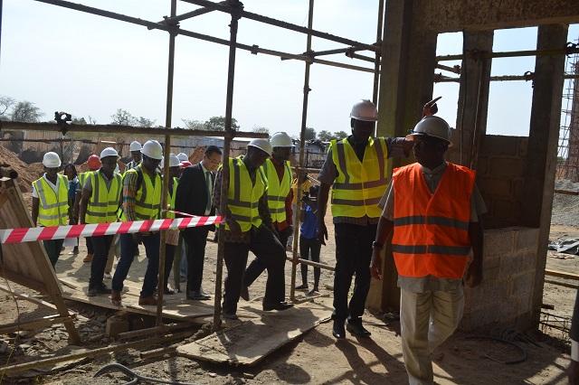 Université Ouaga II: Le ministre de l'enseignement supérieur satisfait de l'état d'avancement des travaux