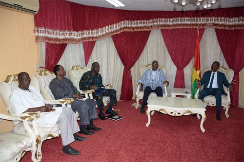 Assemblée nationale: L'association des Anciens Ambassadeurs du Burkina Faso reçue en audience