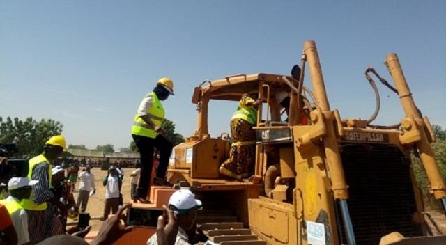 Réhabilitation et aménagement de barrages: Le Gouverneur du Centre-Ouest donne le top de départ des travaux à Doulou