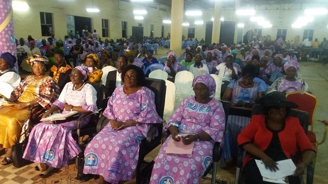 Eglise biblique de la vie profonde: Une conférence pour réfléchir aux défis qui s'imposent aux femmes