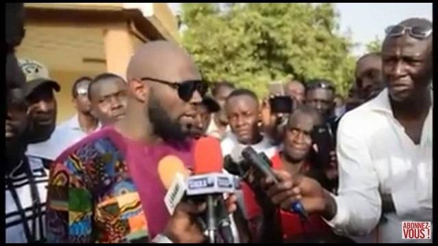 OUAGADOUGOU: Kémi Seba lance les tribunaux populaires contre la Françafrique