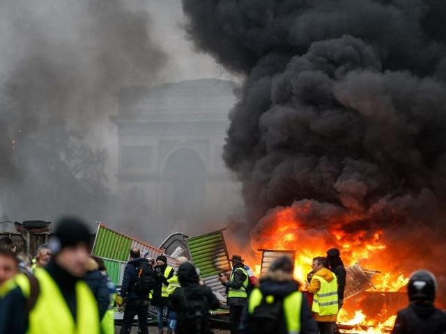 Mouvement des gilets jaunes en France: Aucun pays africain ne s'inquiète de la situation de ses ressortissants