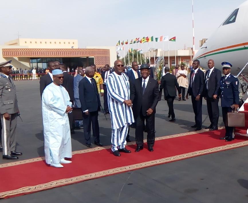 25 ans de l'UEMOA: Le Président ivoirien Alassane Ouattara est sur le sol burkinabè