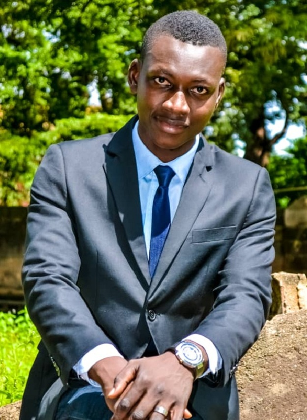 Innovation: Etudiant en droit, Jonathan Ouédraogo invente du carburant à base d'huile usagée de moteur