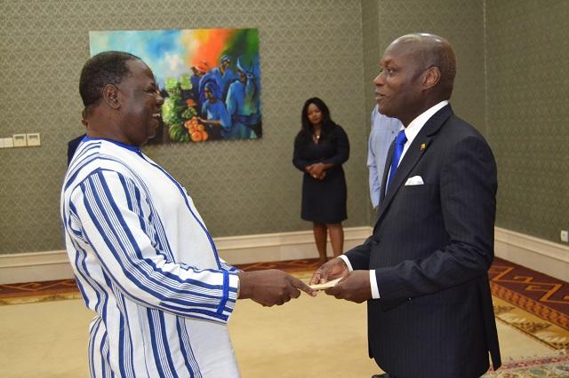 République de Guinée-Bissau: Jacob Ouédraogo présente ses lettres de créance à José Mario Vaz