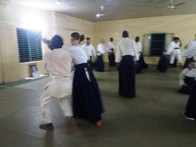 Arts martiaux: Les pratiquants d'Aikido se perfectionnent