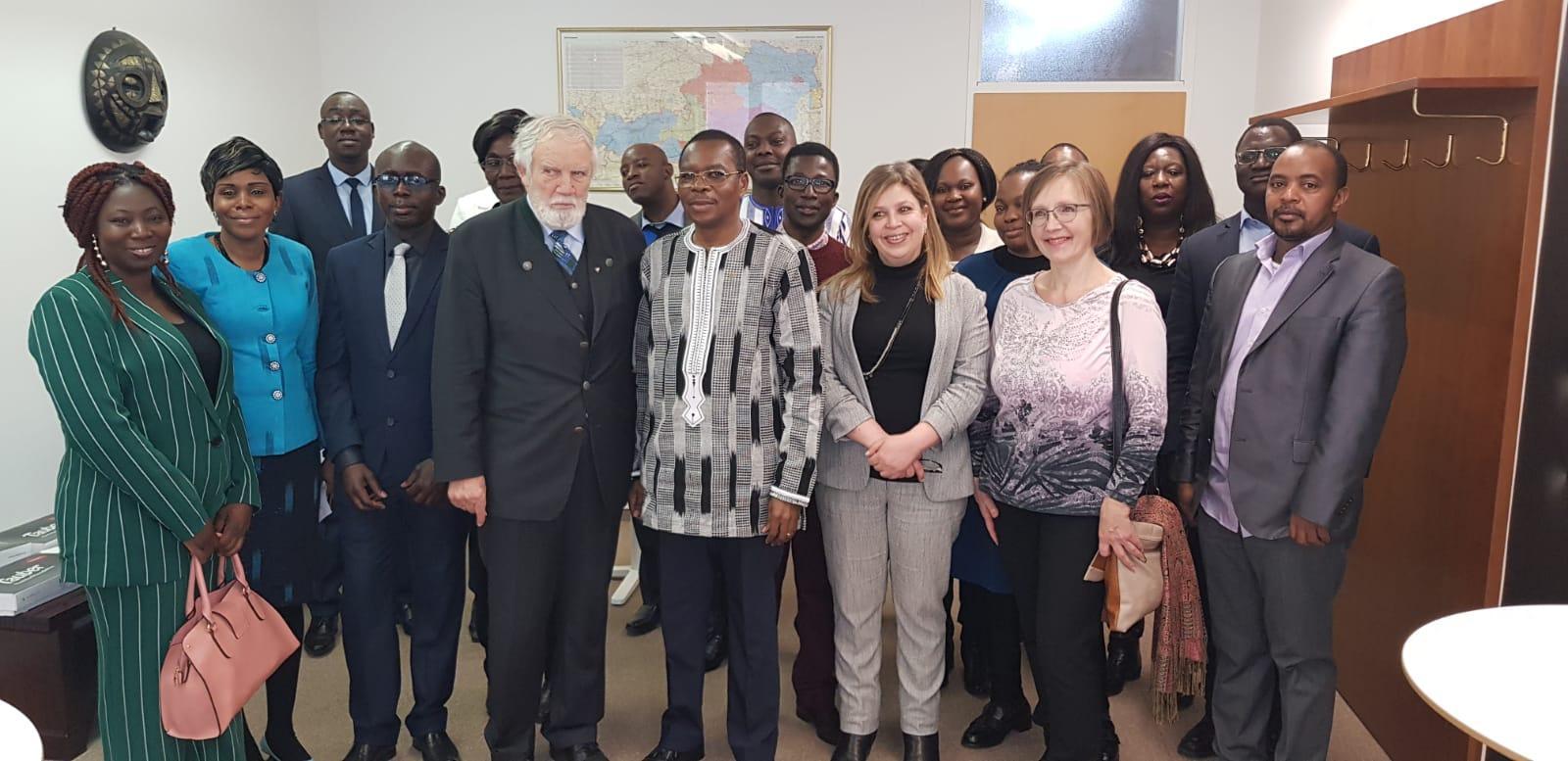 Ambassade du Burkina en Autriche: Le personnel présente ses vœux à l'ambassadeur Dieudonné Kéré